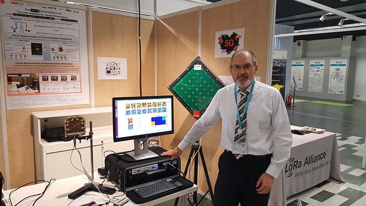 "Patrice Pajusco (IMT Atlantique) with the ""uplink"" spatial modulation demonstrator"