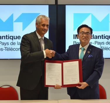 Signature d'un accord de coopération avec le gouverneur d'Aichi au Japon